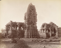 Ruins of temples in Ajaygarh Fort?